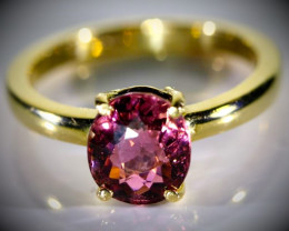 Rubellite 3.05ct Solid 18K Yellow Gold Ring