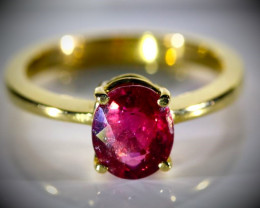 Rubellite 2.42ct Solid 18K Yellow Gold Ring