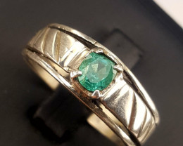 Natural Emerald Ring.