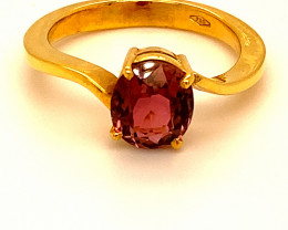 Red Tourmaline 2.06ct Solid 18K Yellow Gold Ring