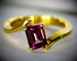 Red Purple Tourmaline 1.15ct Solid 18K Yellow Gold Ring