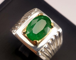 Beautiful Natural Emerald Ring.