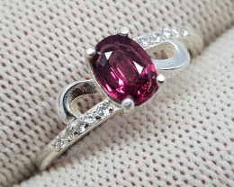 Natural Red Rhodolite Garnet 11.20 Carats 925 Silver Ring