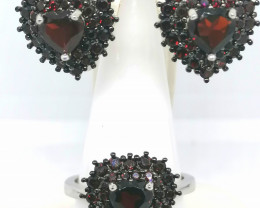 Garnet set of Ring and Earrings 6.75 TCW