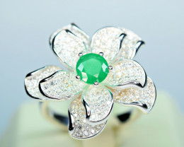 Natural Top color Precious Emerald , CZ unusual flower Design 925 Silver Ri