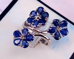 Amzing Flower Design Natural Sapphire Ring.