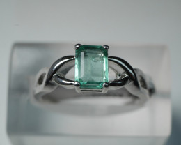 NATURAL EMERALD CUSHION SHAPE 92.5 SOLID SILVER RING SIZE ( 7.25 US )