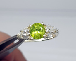 Natural Green Peridot 14.00 Carats 925 silver Ring