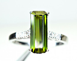Natural top green Color Amazing Clean Tourmaline ,CZ925 Silver Ring