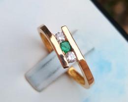 18k Gold Natural Emerald and Diamond Ring.