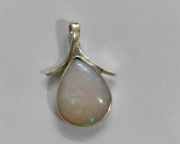 Pendant in 950 silver with solid opal drop shape