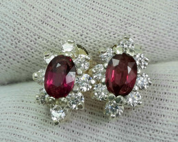 20 carats Rhodolite Garnet with cz 925 silver earrings. 7x5x3mm.