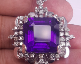 18k Gold Natural Amethyst And Diamonds Pendent.