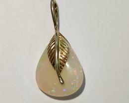 Pingente em prata banhado a ouro com opala sólida forma gota