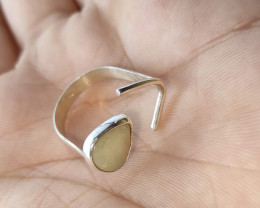 950 half moon silver ring with solid opal - drop