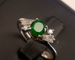 18k white gold Top Natural Emerald and Diamonds Ring.