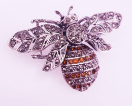 Honey Bee Style Spessartite Garnet Brooch