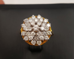 18k yellow gold Natural Diamonds Ring.