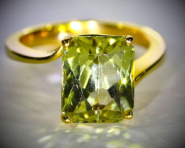 Yellow Green Kunzite 7.00ct Solid 18K Yellow Gold Ring