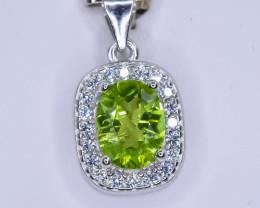 15.81 Crt Natural Peridot 925 Silver Pendant