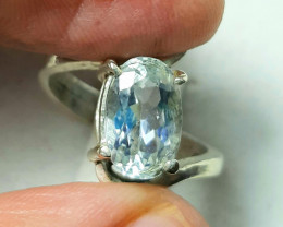 3 Carats oval Aquamarine hand made 925 Silver Ring, 9x6x4 mm.