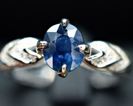 Heated top blue Natural 1.090 Carat Sapphire ,CZ 925 Silver Ring