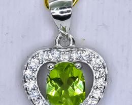14.95 Crt Natural Peridot 925 Silver Pendant