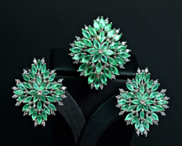 Natural 8.99 Carats Emerald  ,CZ setting on 925 Silver Ring &Earring Set