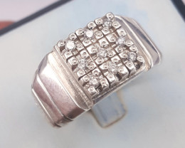 Natural Diamonds Gents Ring.