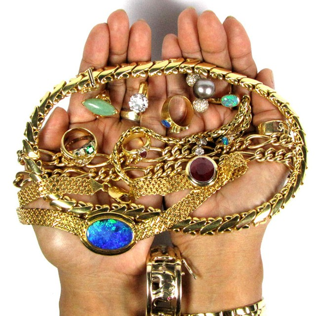 How to Preserve Wealth Buy Jewelry