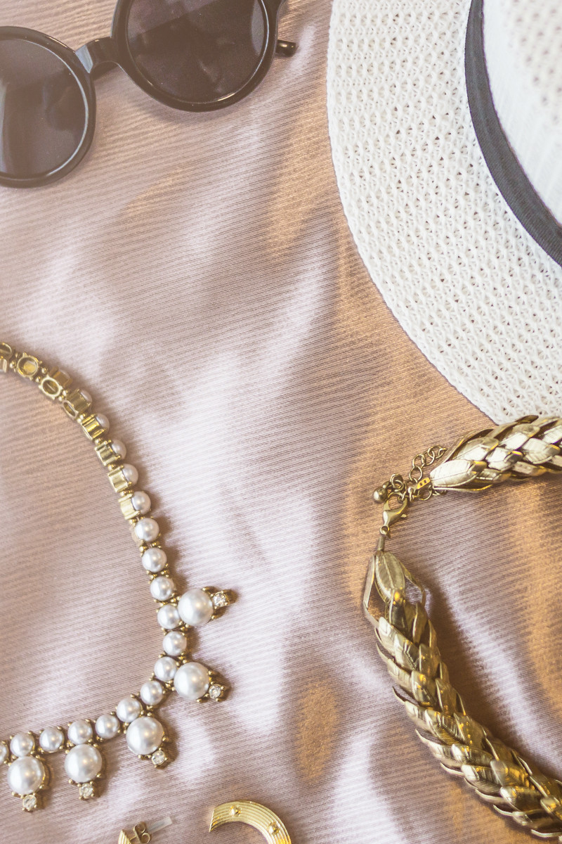 8 Stress-Free Hacks for Traveling with Jewelry