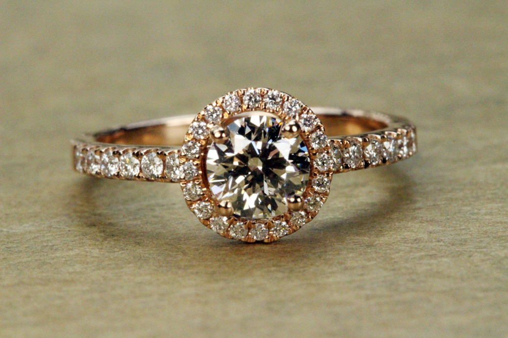 What Is The Best Diamond Color for Rose Gold Ring