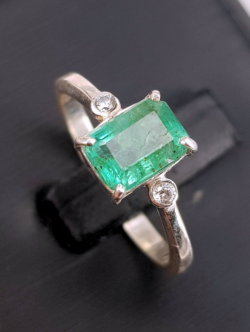 Natural Emerald with Diamonds Ring (TCW 1.65)