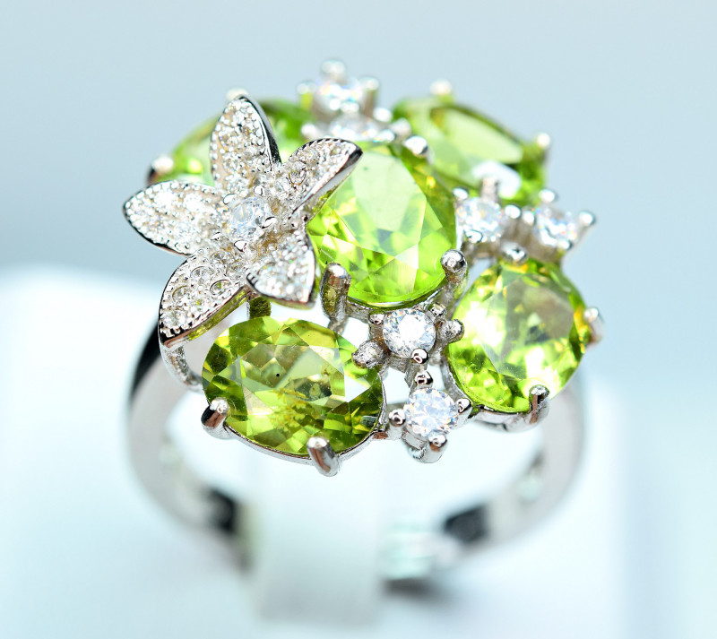 Natural lustrous Nice color 5 Pis Peridot , CZ 925 Silver Ring
