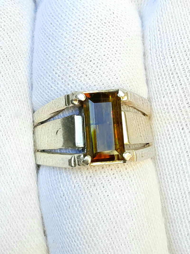 39 carats very rare fire Epidot hand made 925 silver ring.