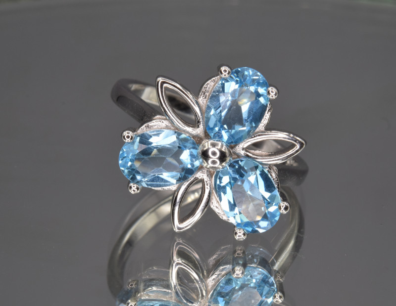 Natural Swiss Blue Topaz and 925 Silver Ring