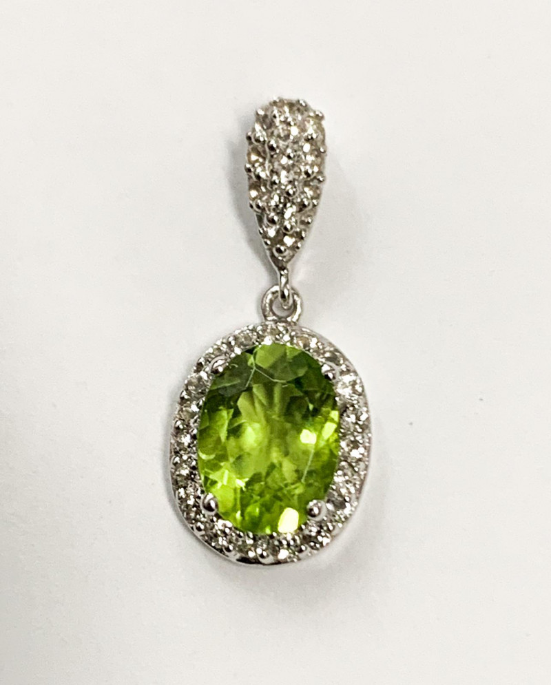 Natural Peridot 1.26 Ct And Topaz ~ Silver Necklace