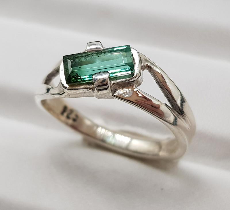 Natural Indicolite Tourmaline 15.50 Carats 925 Hand Made Silver Ring
