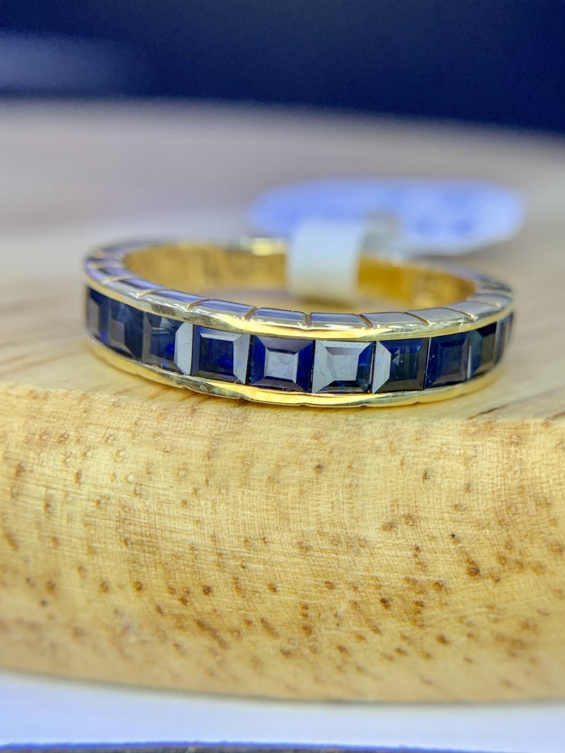 18K gold Natural Sapphire Ring TCW 1.61