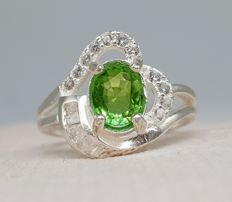 Natural Green Tourmaline 17.40 Carats 925 Silver Ring