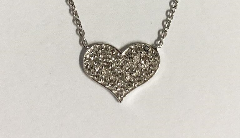 *NoReserve*Stylish Heart Natural White Topaz ~  Silver Necklace