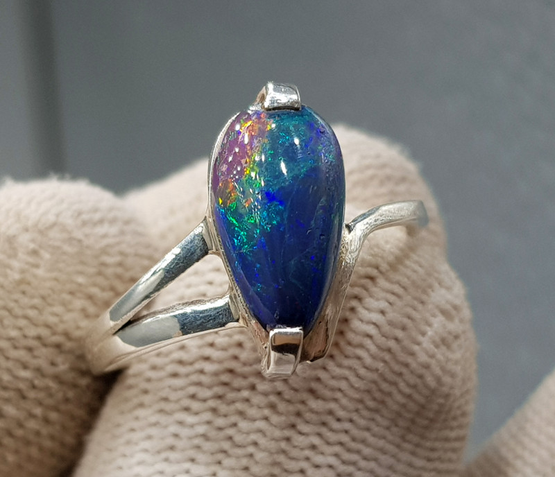 Natural Fire Opal 17.30 Carats 925 Hand Made Silver Ring