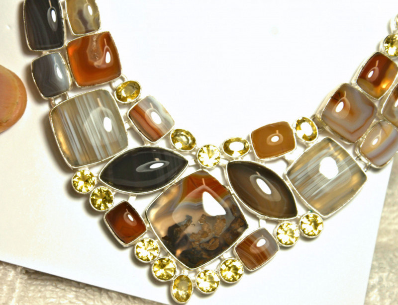 421.5 Tcw. Agate, Sterling Silver Necklace - Gorgeous