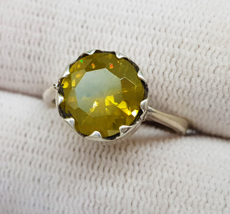 Natural Yellow Multi Fire Sphene (Titanite)