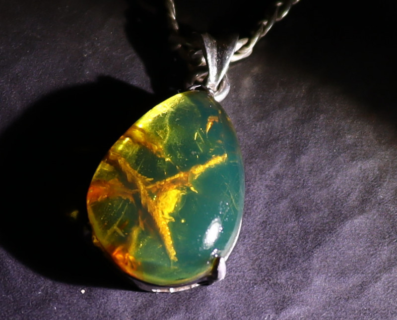 Beautiful Natural Clear Deep Green Amber .925 Sterling Silver Pendant 31mm
