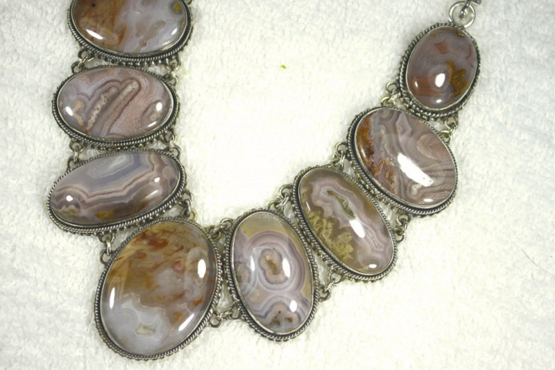 606.5 Tcw. Purple Agate Sterling Silver Necklace - Gorgeous