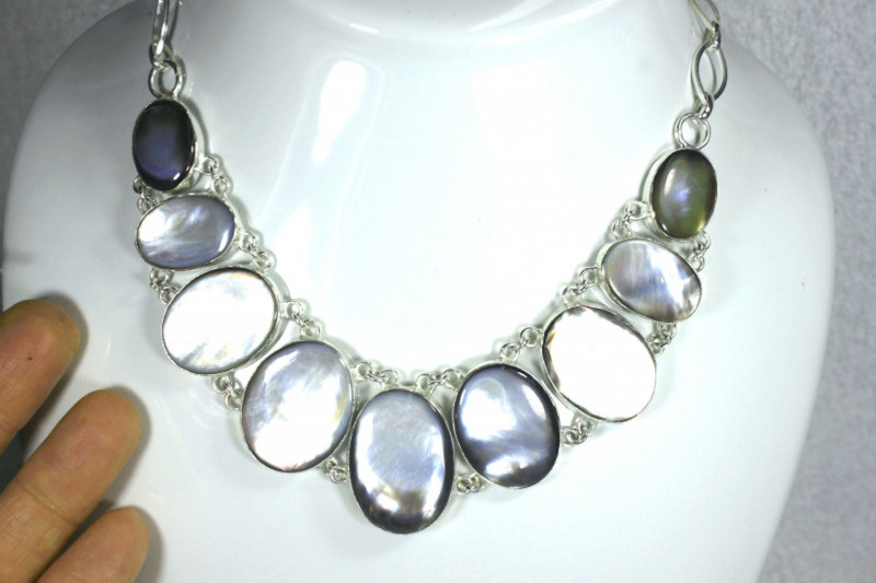 350.0 Tcw. Mother of Pearl Sterling Silver Necklace - Gorgeous