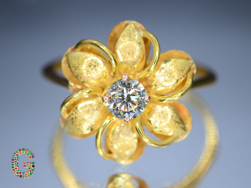 Presenting Exclusive Classy Diamond  in 18 k Gold Ring