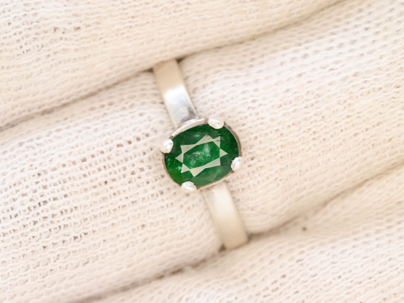 15.50 Ct Silver Ring ~With AAA Clarity Swat Emerald Stone