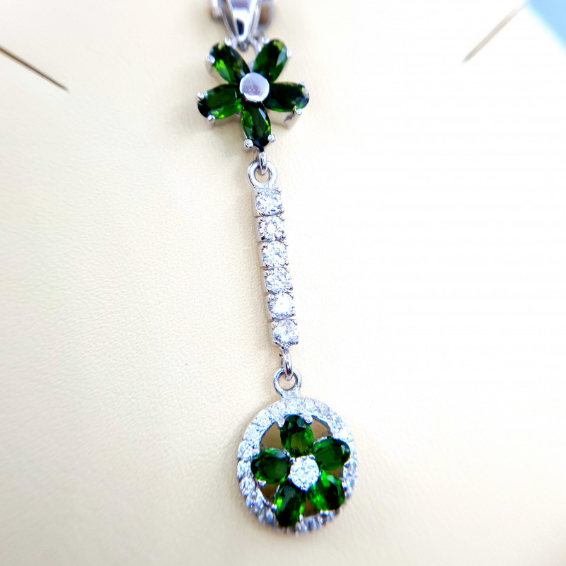 Natural Chrome Diaopside Pendent